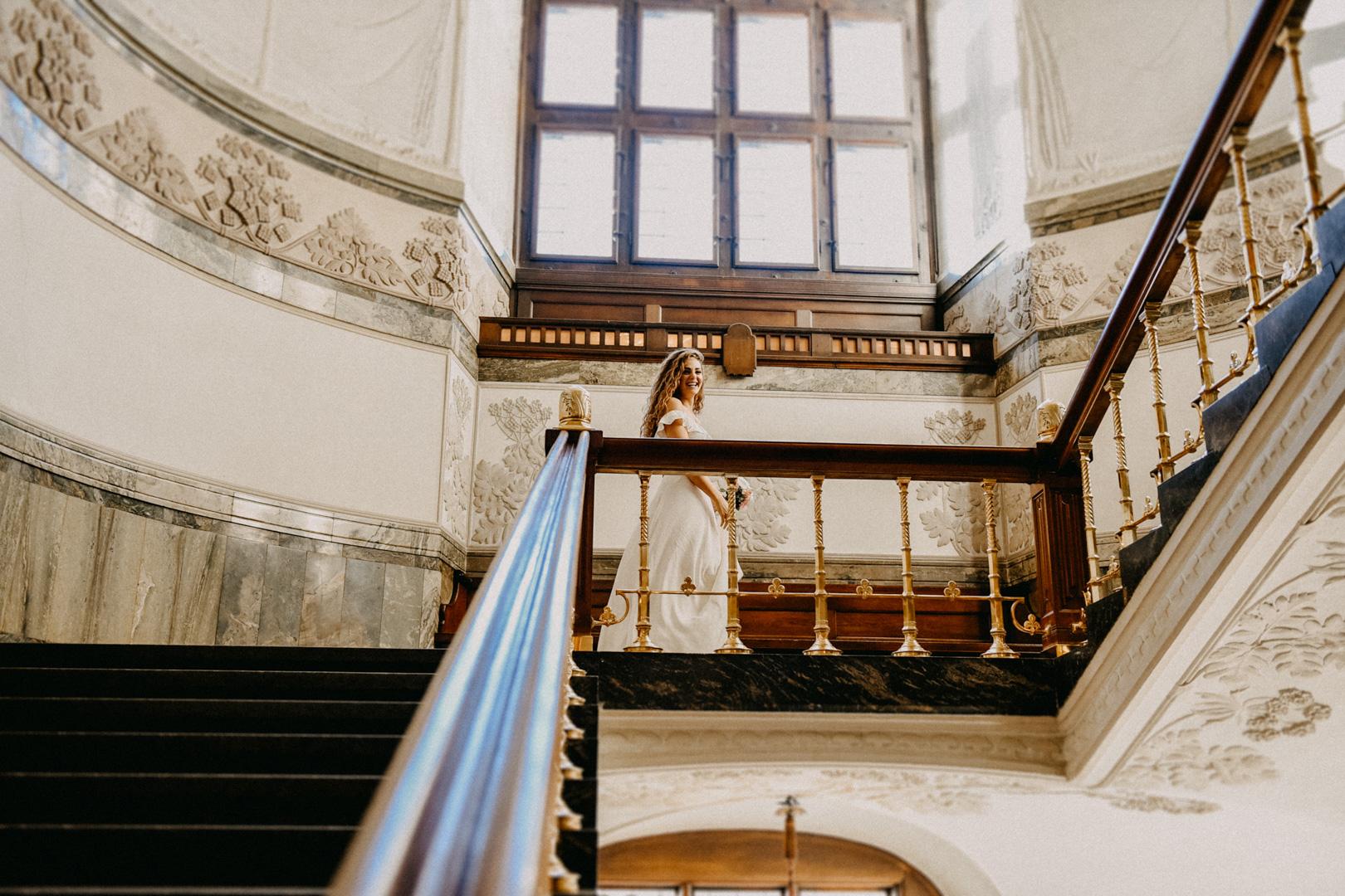 bride walking in the copenhagen city hall