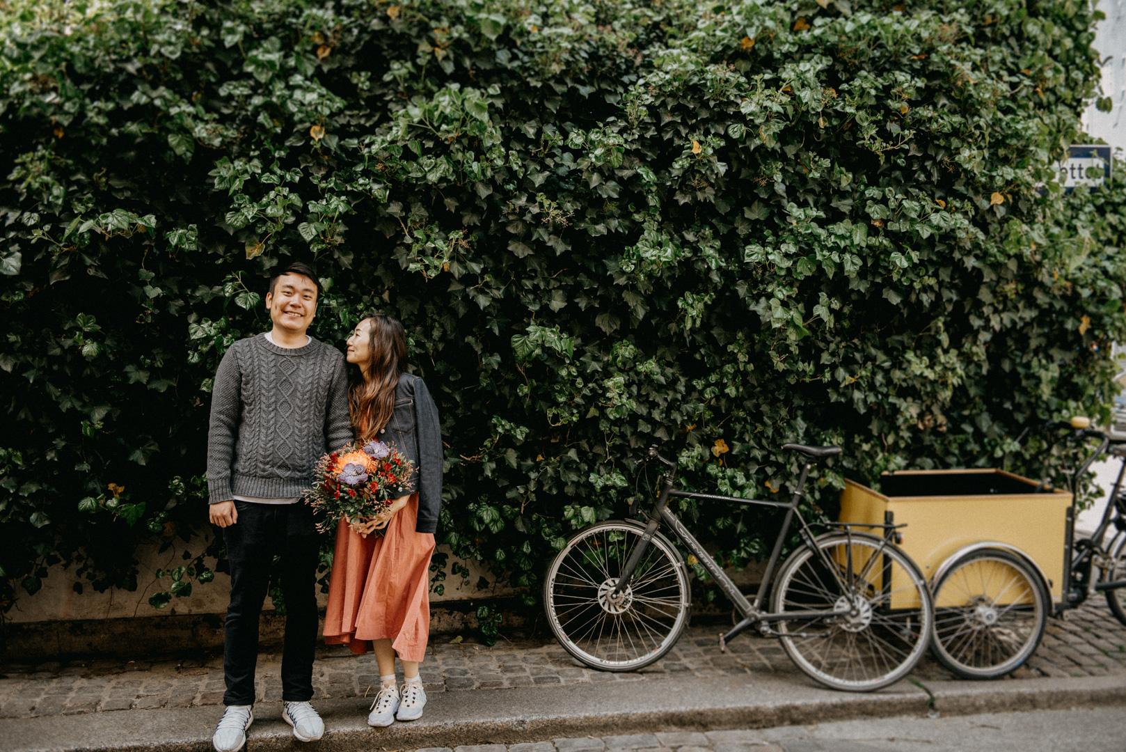 couple engagement photo session copenhagen photographer