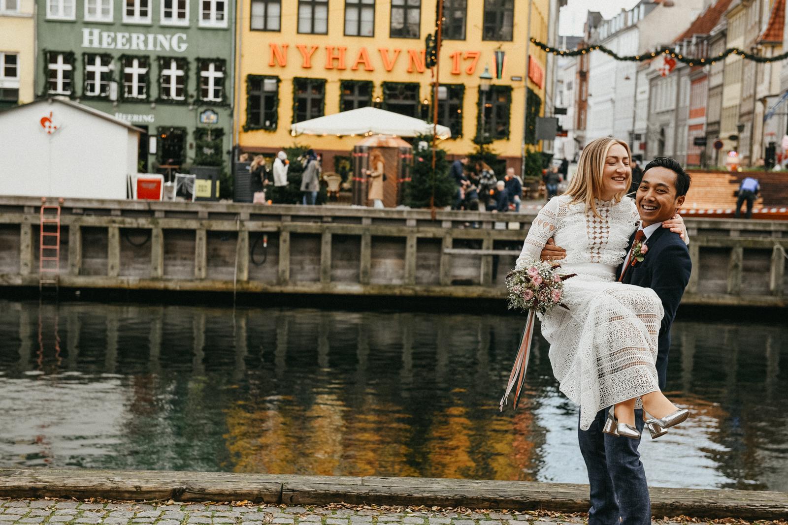 Nyhavn photoshoot copenhagen wedding